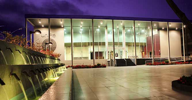 Baño Discapacitados Traduccion:UNIFÉ – Centro Cultural de la UNIFÉ/Auditorio(CCU)Galería de Arte